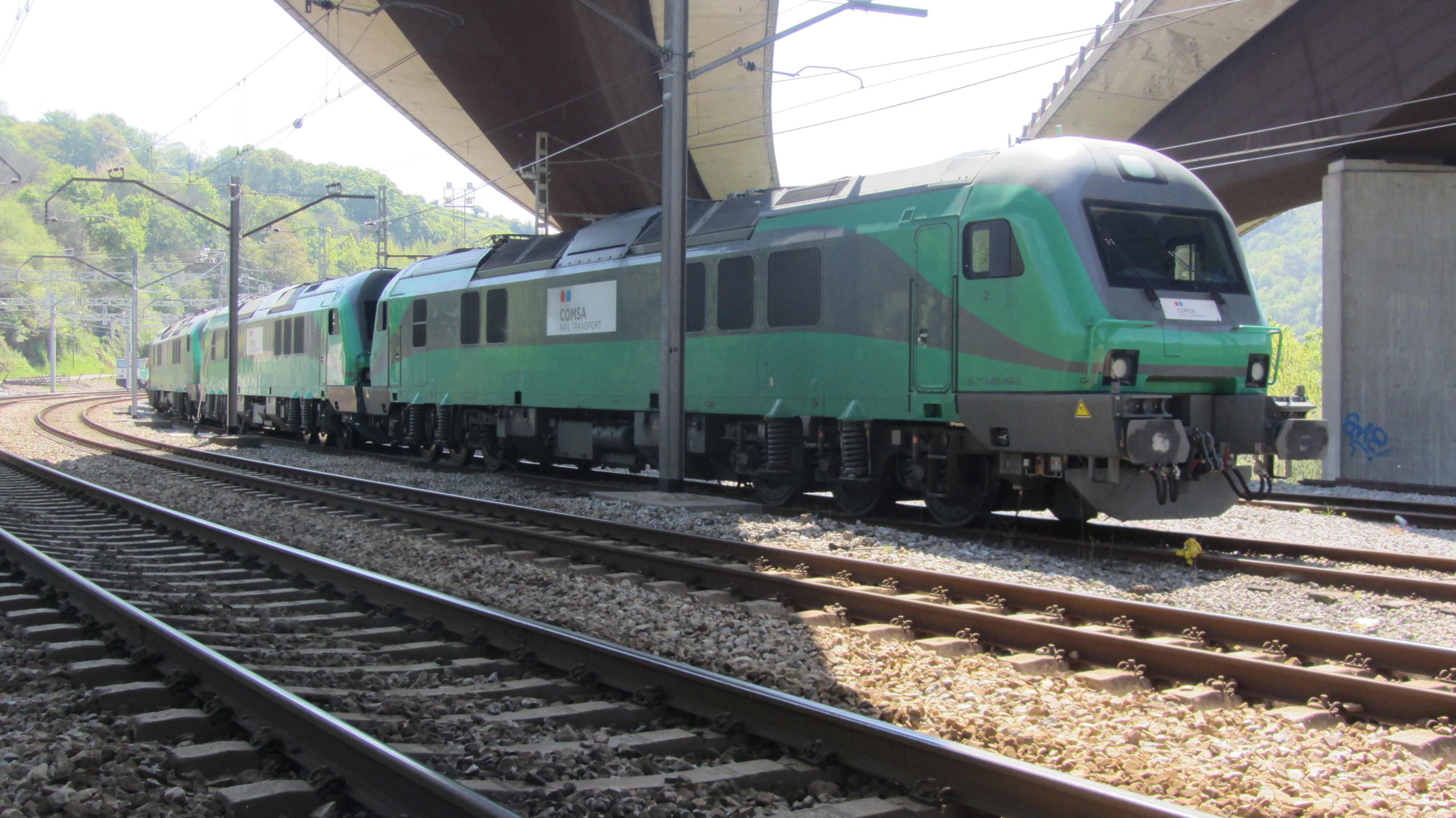2013-04-24-Soto-de-Rey-Tren-Comsa-triple-tracción_01.JPG