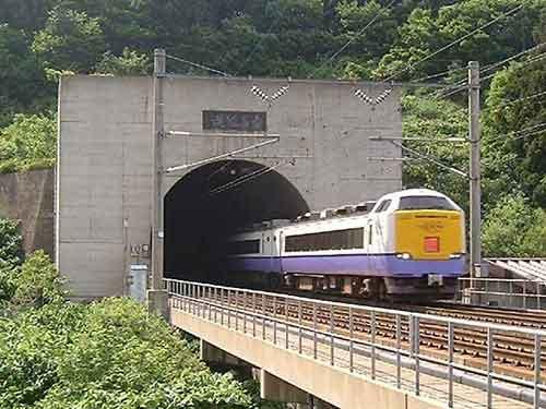 El tunel ferroviario mas largo_01