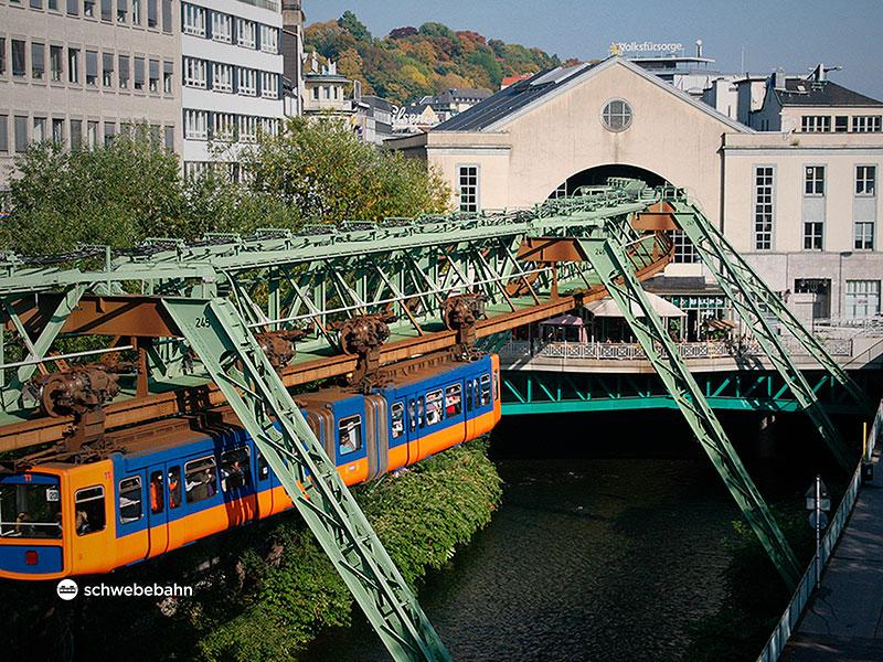 El monorrail colgante de Wuppertal_03