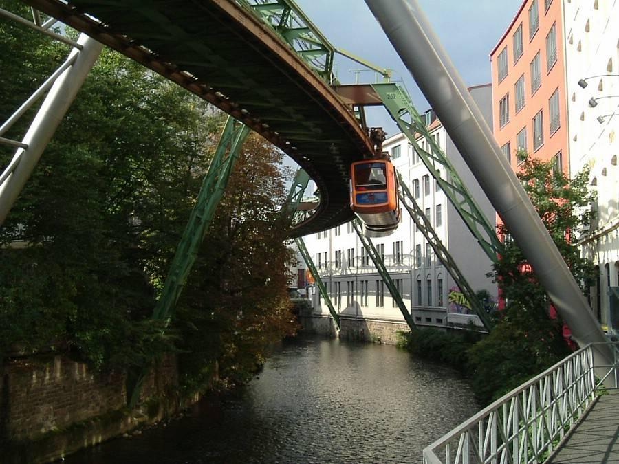 El monorrail colgante de Wuppertal_05