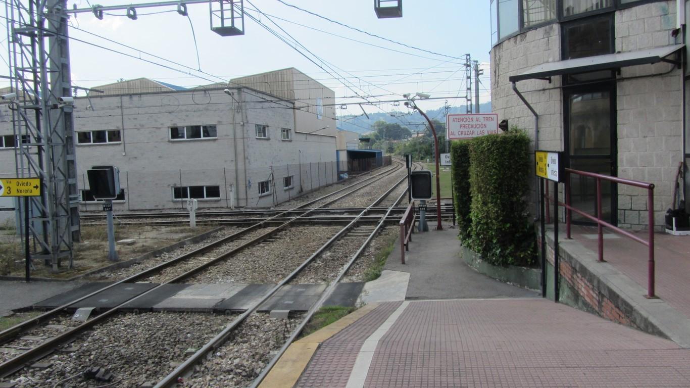Crece al mismo nivel líneas Oviedo - Infiesto y Laviana - Gijón.