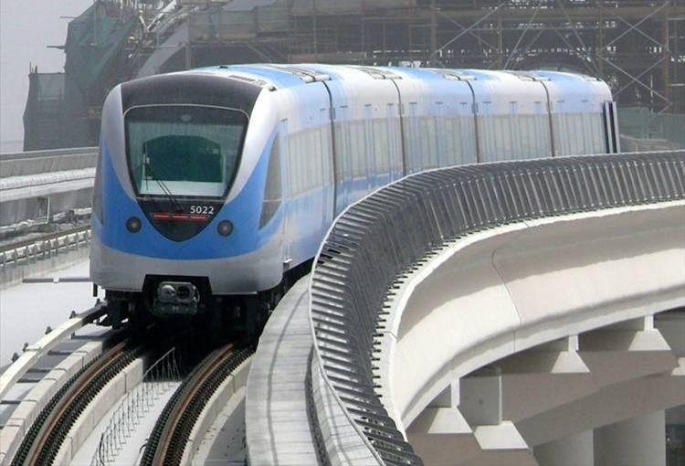 Metro Dubai_01