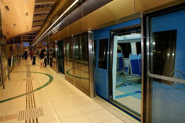 Metro Dubai_03