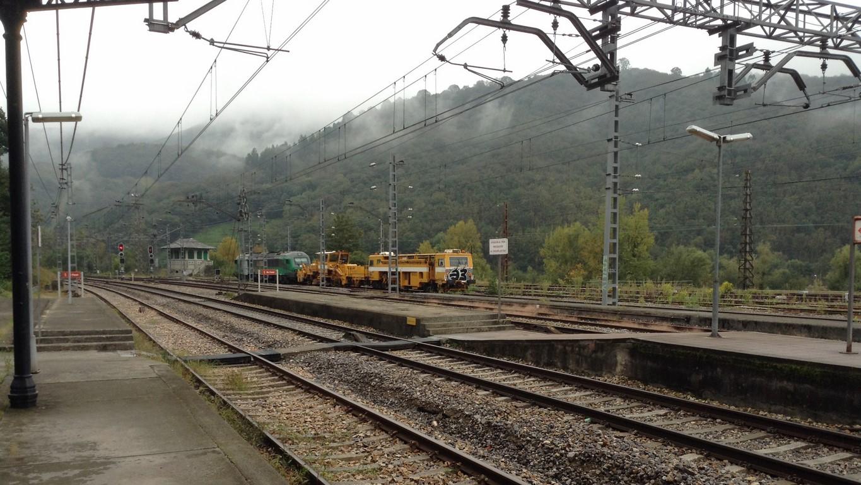 Locomotora Comsa remolcando Matisas_06