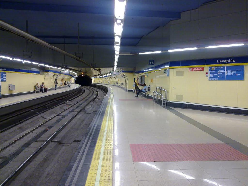 Metro De Madrid Implanta Un Sistema De Apertura Automática De