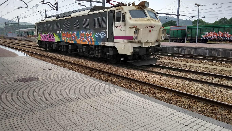 Locomotora Serie 251_08