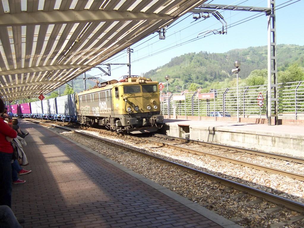 Locomotora Serie 269_02
