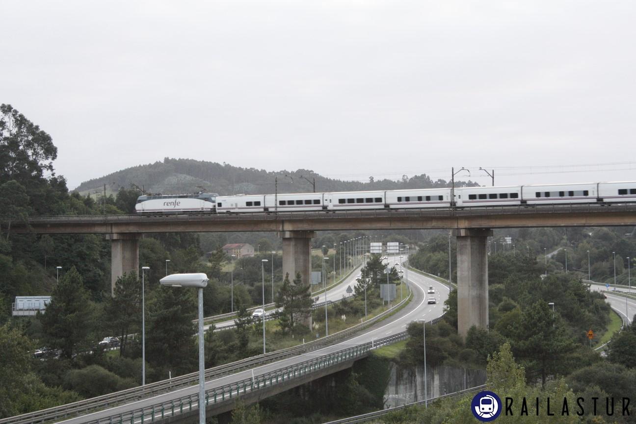 Talgo por el viaducto de Serín (2011)