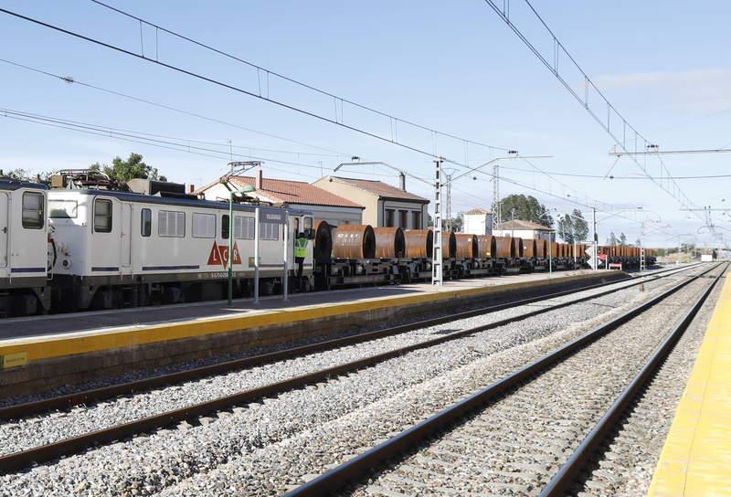 Tren Low Cost Rail - Gijón Puerto - Villadangos_01